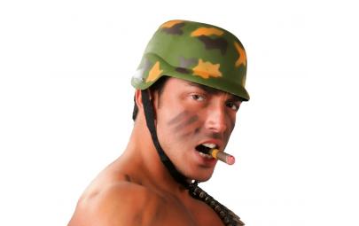 Hełm żołnierza moro
