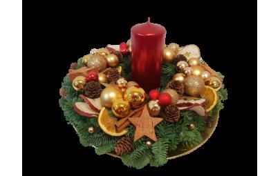 Stroik świąteczny na talerzu