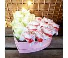 Flowerbox - białe róże - rafaello