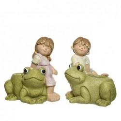 Figura dziecko z żabą...
