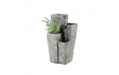 fontanna kwadratowe kolumny z kwietnikiem