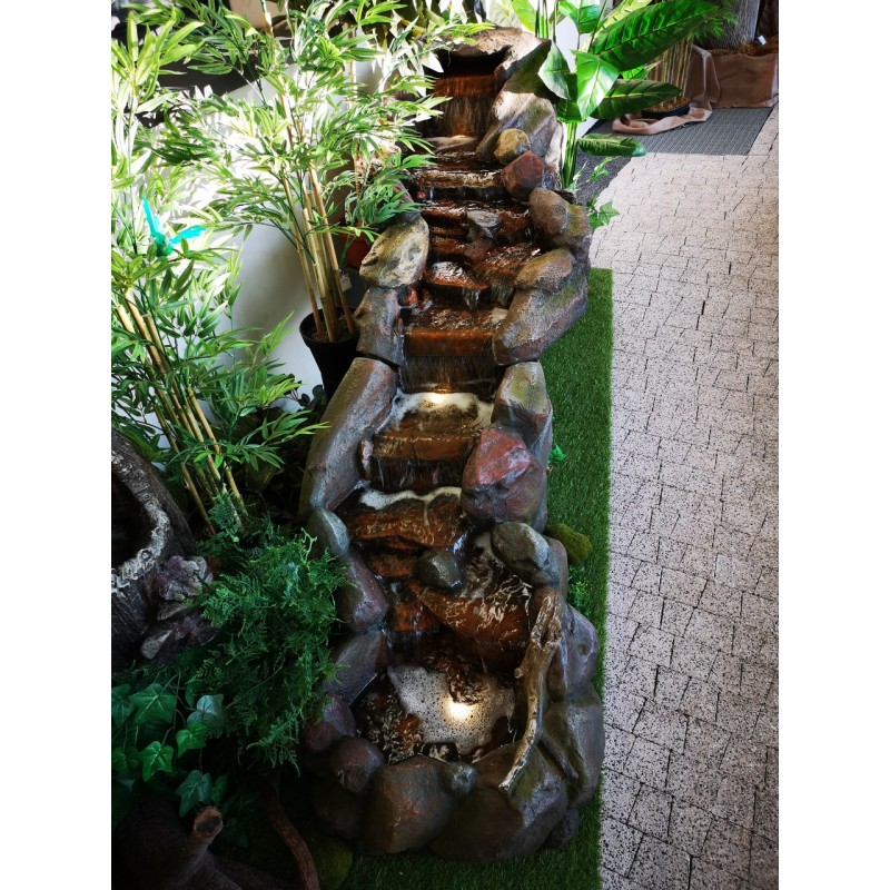 fontanna kamienna wodospad 2