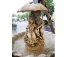 Fontanna dzieci pod parasolką