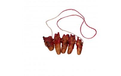 Naszyjnik z krwawymi palcami
