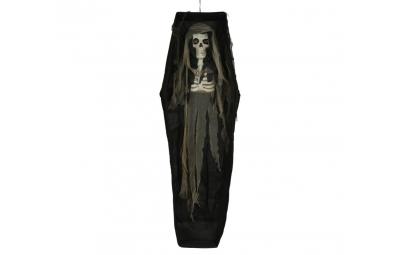 Szkielet w trumnie wiszący...