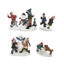 Figurka dzieci bawiące się na śniegu multi 4,5x6x5,5cm