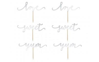 Napis na piku Love, Sweet,...